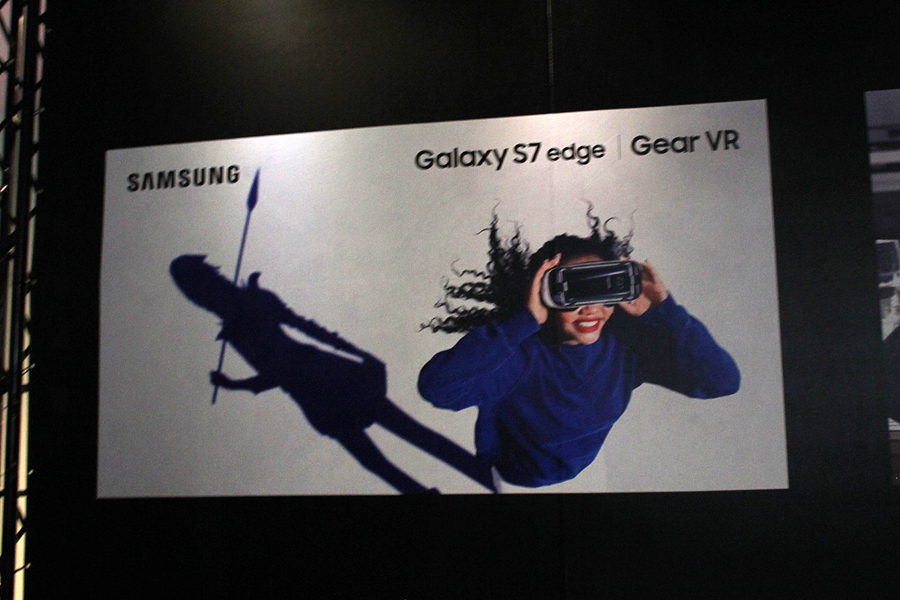 「Galaxy S7 edge」のすごさを「Gear VR」&4Dチェアでアピール!【COMPUTEX 2016】