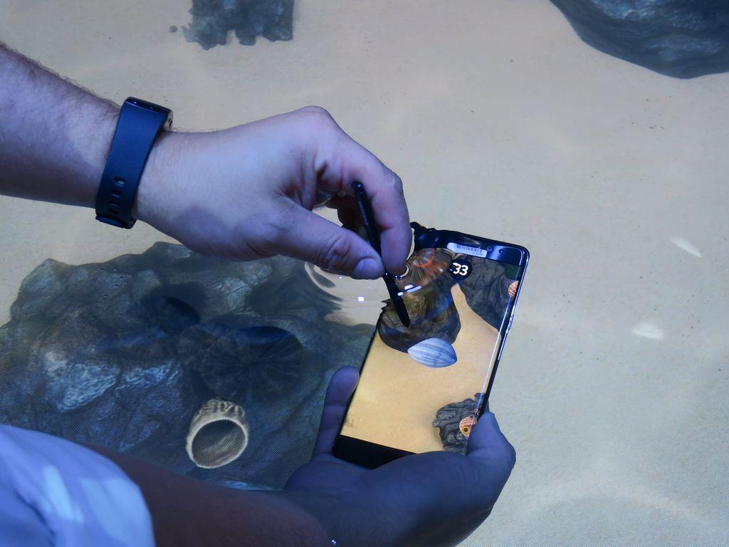 【法林岳之のFall in place】第25回: 虹彩認証や防水で進化を遂げた「Galaxy Note7」グローバル向け発表