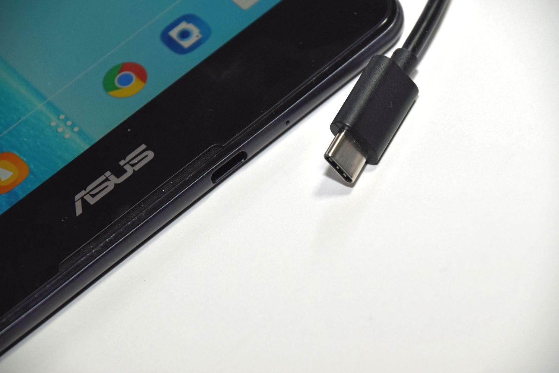 【西川善司のモバイルテックアラカルト】第30回: ZenPad 3 8.0は大画面スマホとして使えるか?