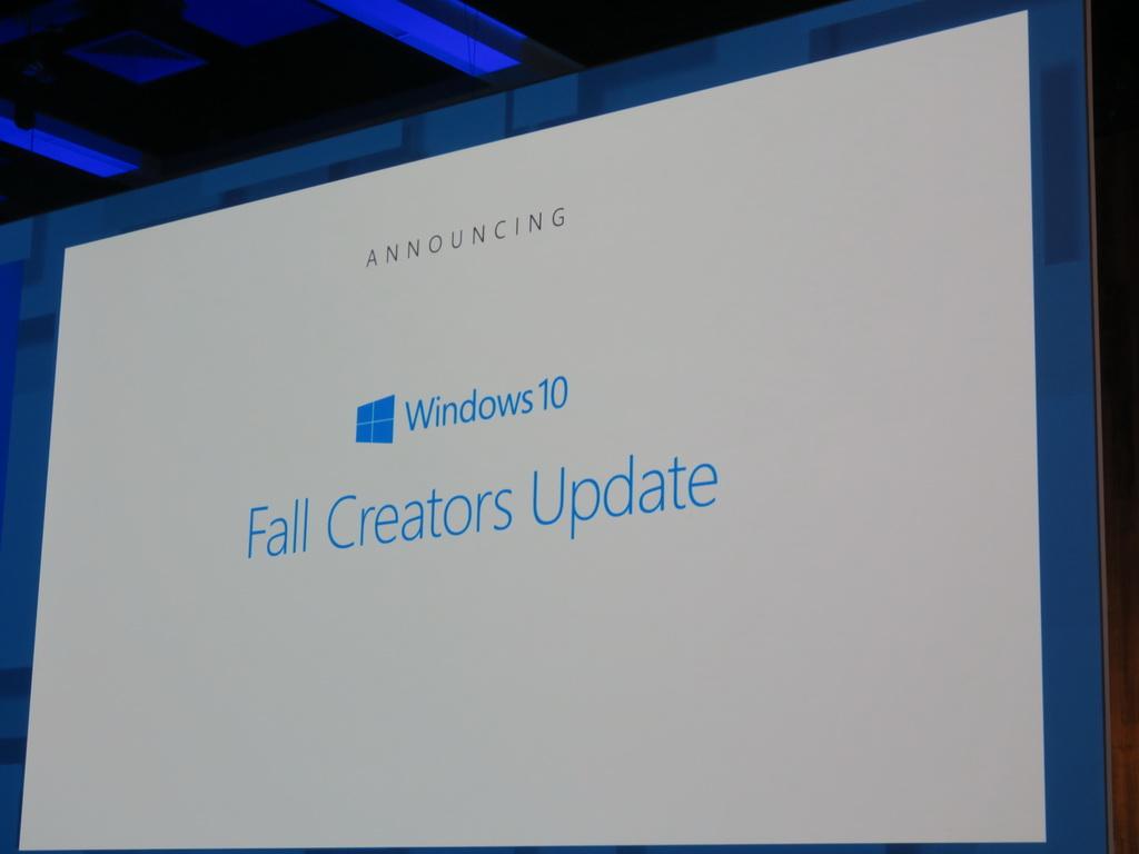 【法林岳之のFall in place】第36回: Windowsとクラウドサービスでスマートフォンを取り込むマイクロソフト