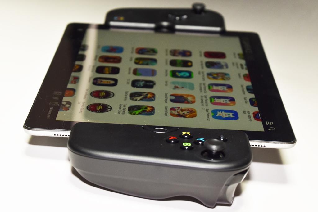【西川善司のモバイルテックアラカルト】第46回: iPad ProにGAMEVICEを合体させてゲーム専用機風に活用してみた!