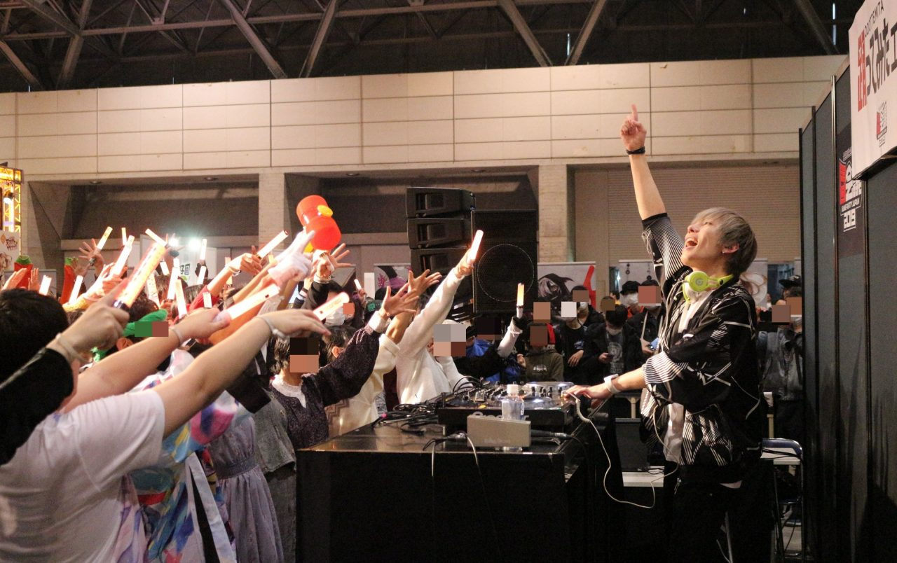 #コンパス【闘会議2019】: 『ダンスロボットダンス』レッスンに八王子PのDJタイム!「踊ってみたエリア」レポート